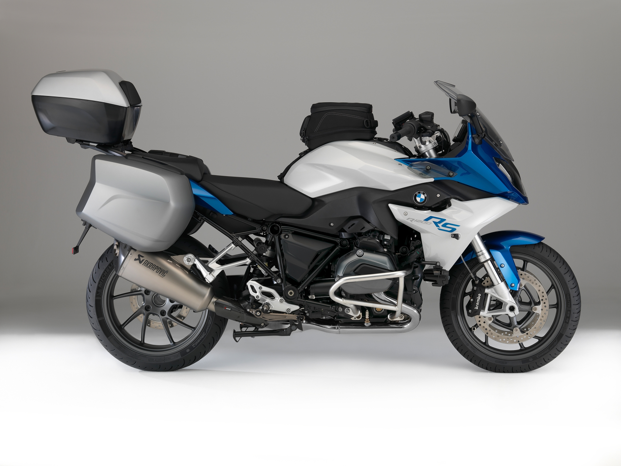 2015 bmw r1200rs brings back true sport touring vibe. Black Bedroom Furniture Sets. Home Design Ideas