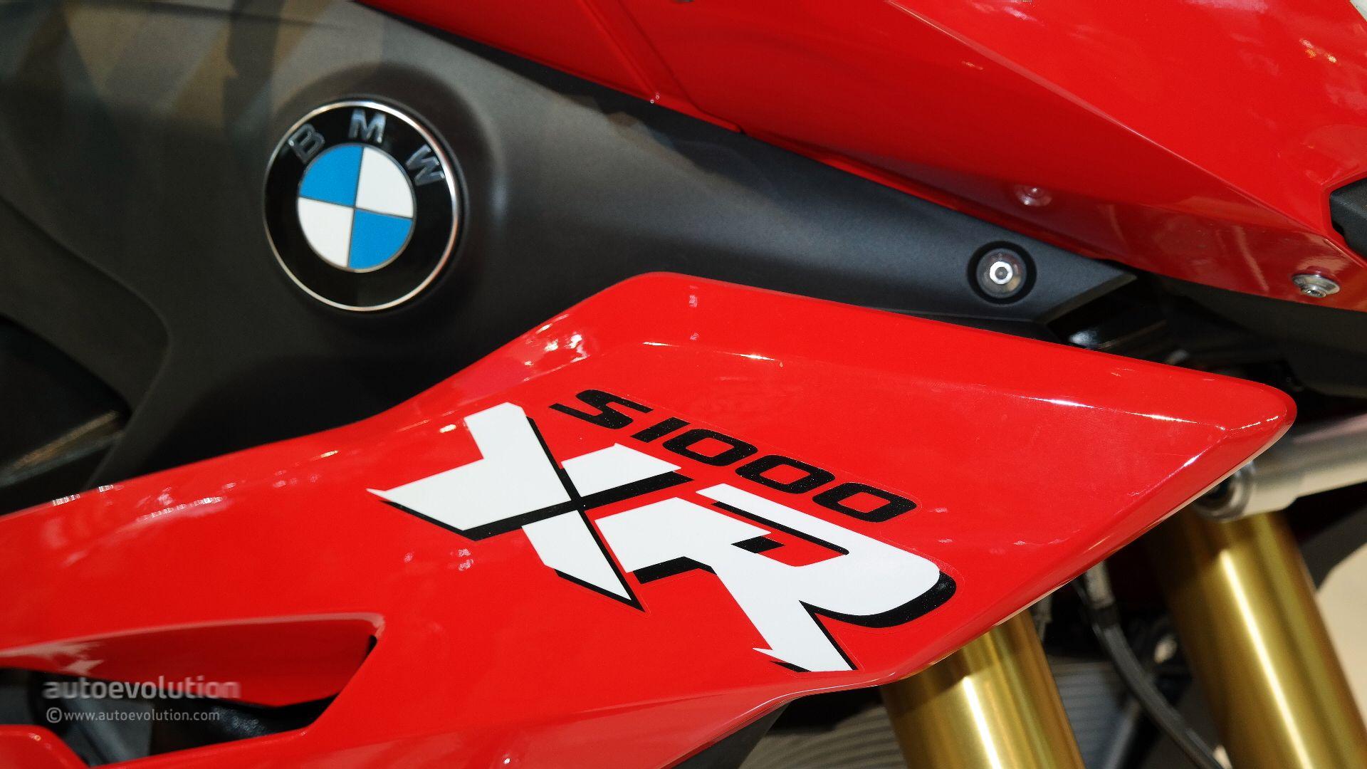 2015 Bmw S1000xr Shows Its Super Sport Fairings In Milan