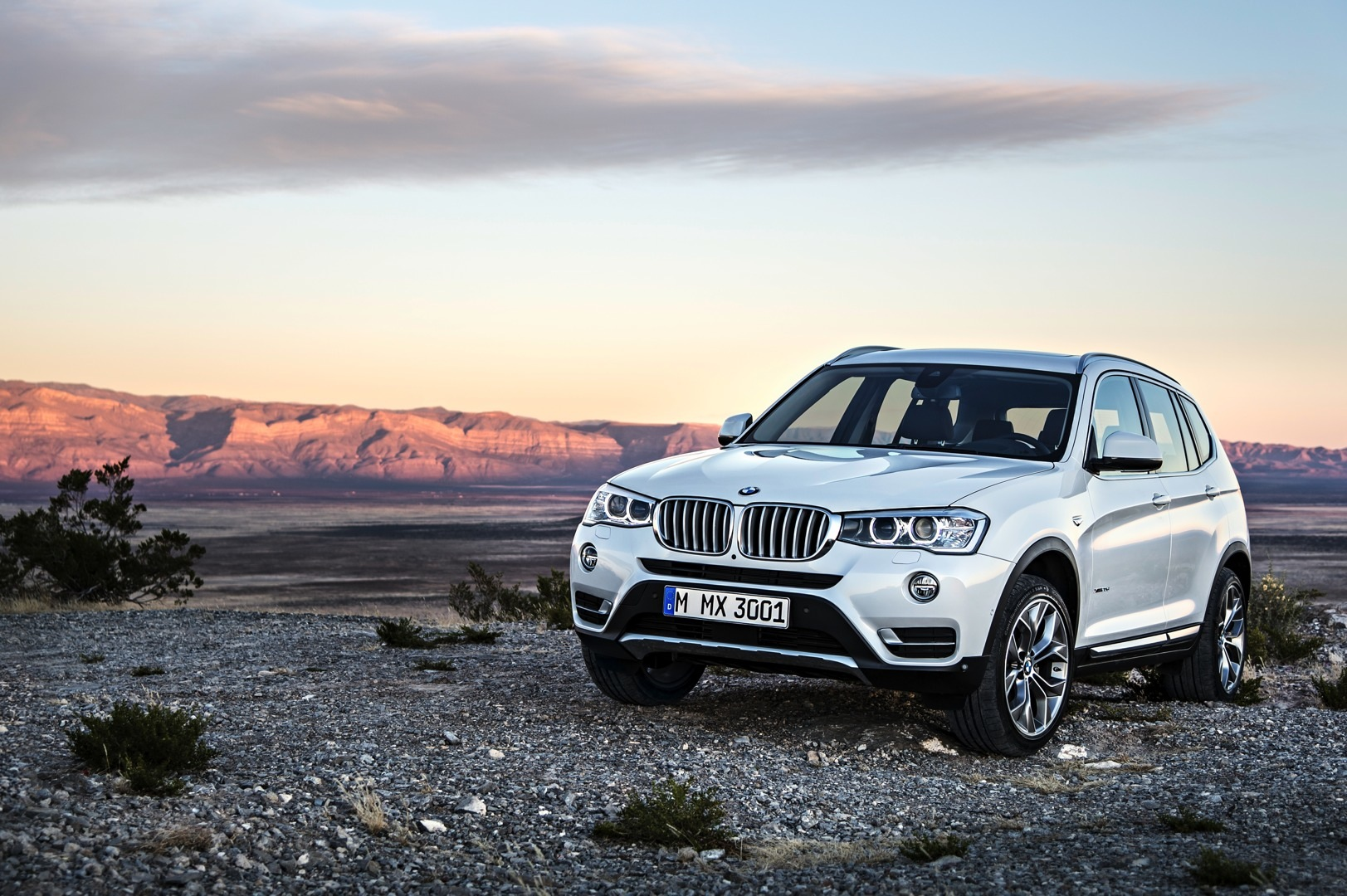2015 bmw x3 facelift brings x4 headlights and diesel to the us video autoevolution. Black Bedroom Furniture Sets. Home Design Ideas