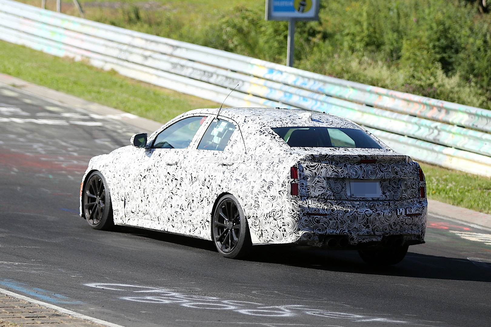 2015 cadillac ats v spied dropping hot laps on the nurburgring video autoevolution. Black Bedroom Furniture Sets. Home Design Ideas