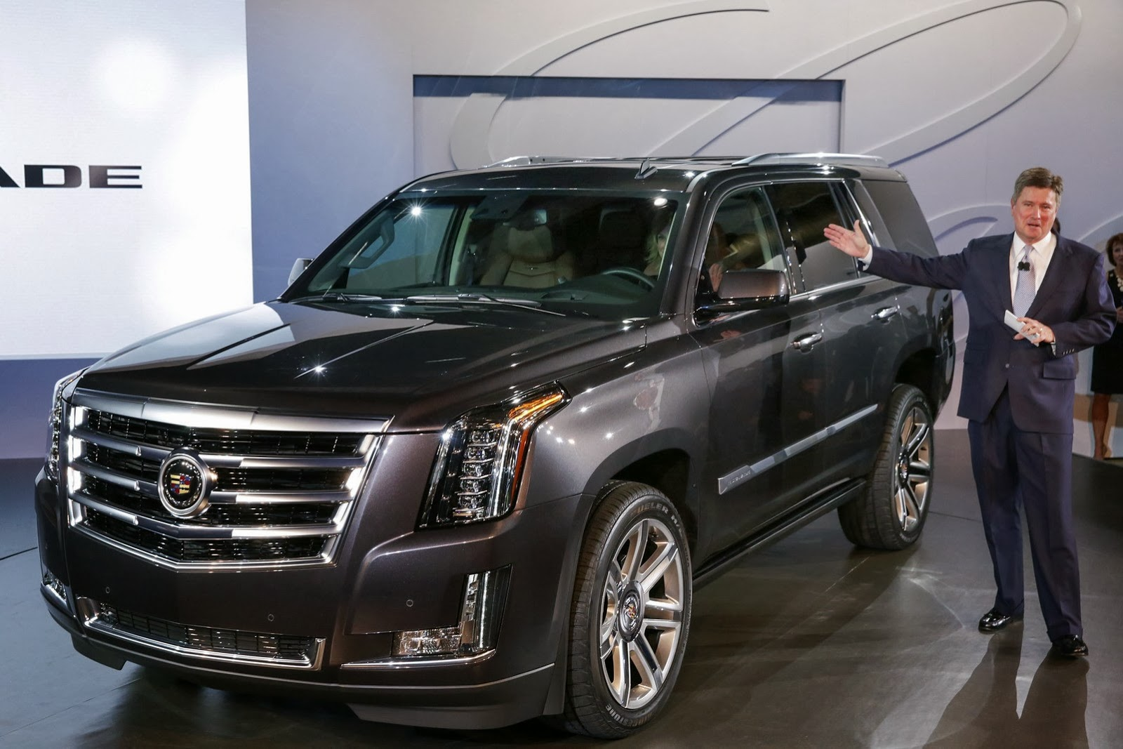 2015 cadillac escalade officially revealed autoevolution. Cars Review. Best American Auto & Cars Review