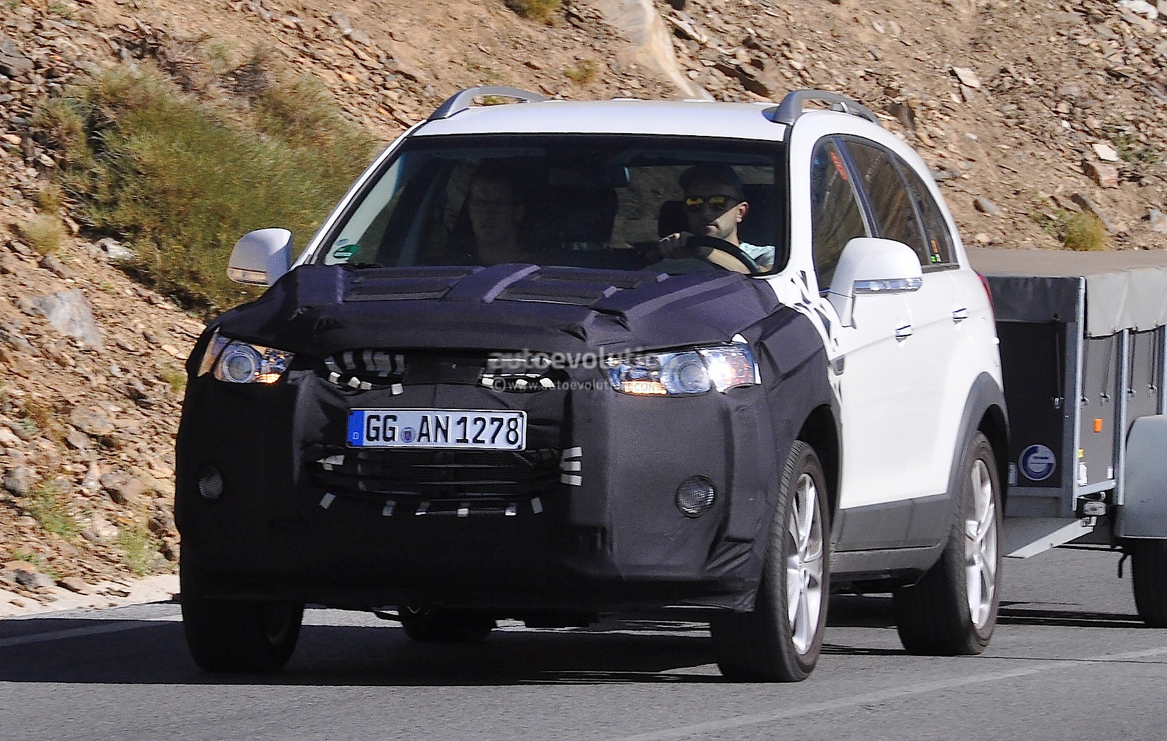 2015 Chevrolet Captiva / Opel Antara Facelift Spied - autoevolution