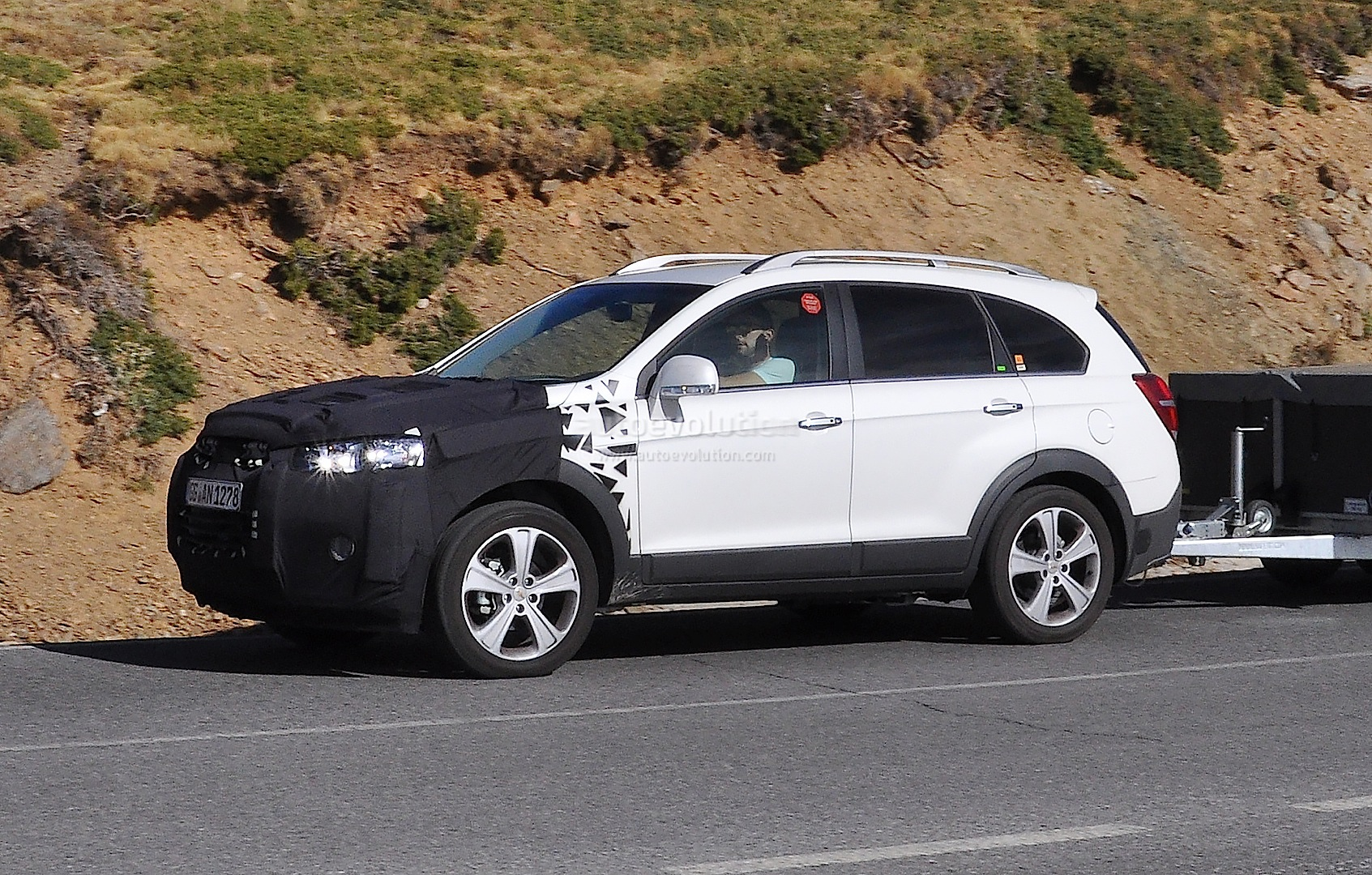 2015 Chevrolet Captiva Opel Antara Facelift Spied