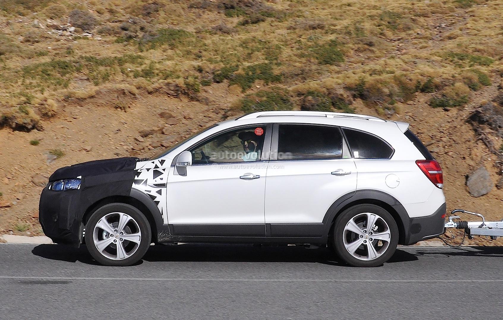 2015 Chevrolet Captiva Opel Antara Facelift Spied