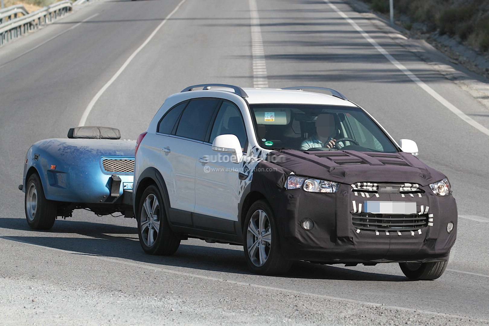 2015 chevrolet captiva opel antara facelift spied. Black Bedroom Furniture Sets. Home Design Ideas