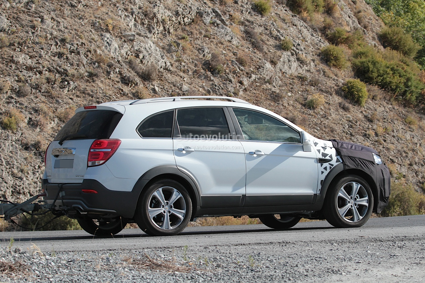 Chevy Suv Models >> 2015 Chevrolet Captiva / Opel Antara Facelift Spied ...