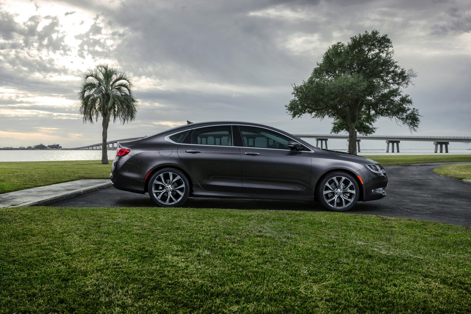 2015 Chrysler 200 Goes Through 3 500 Quality Control Tests