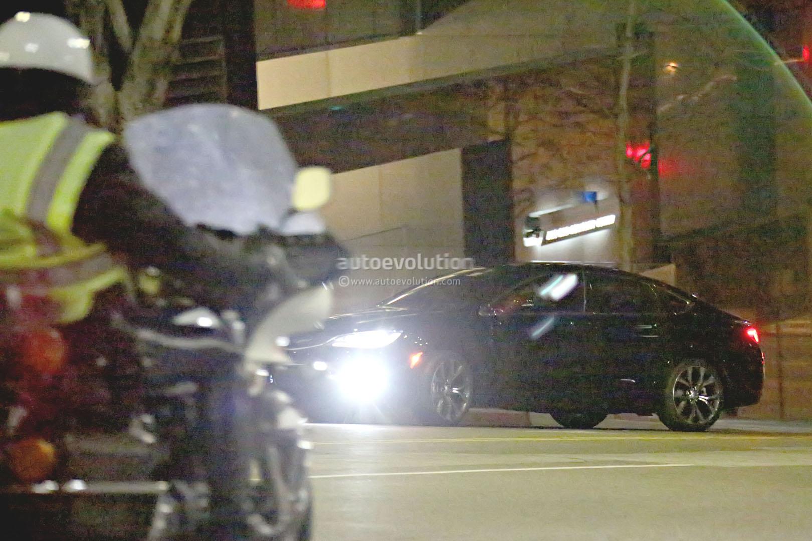 2015 Chrysler 200 Spy Photos 2015 chrysler 200 sedan spy
