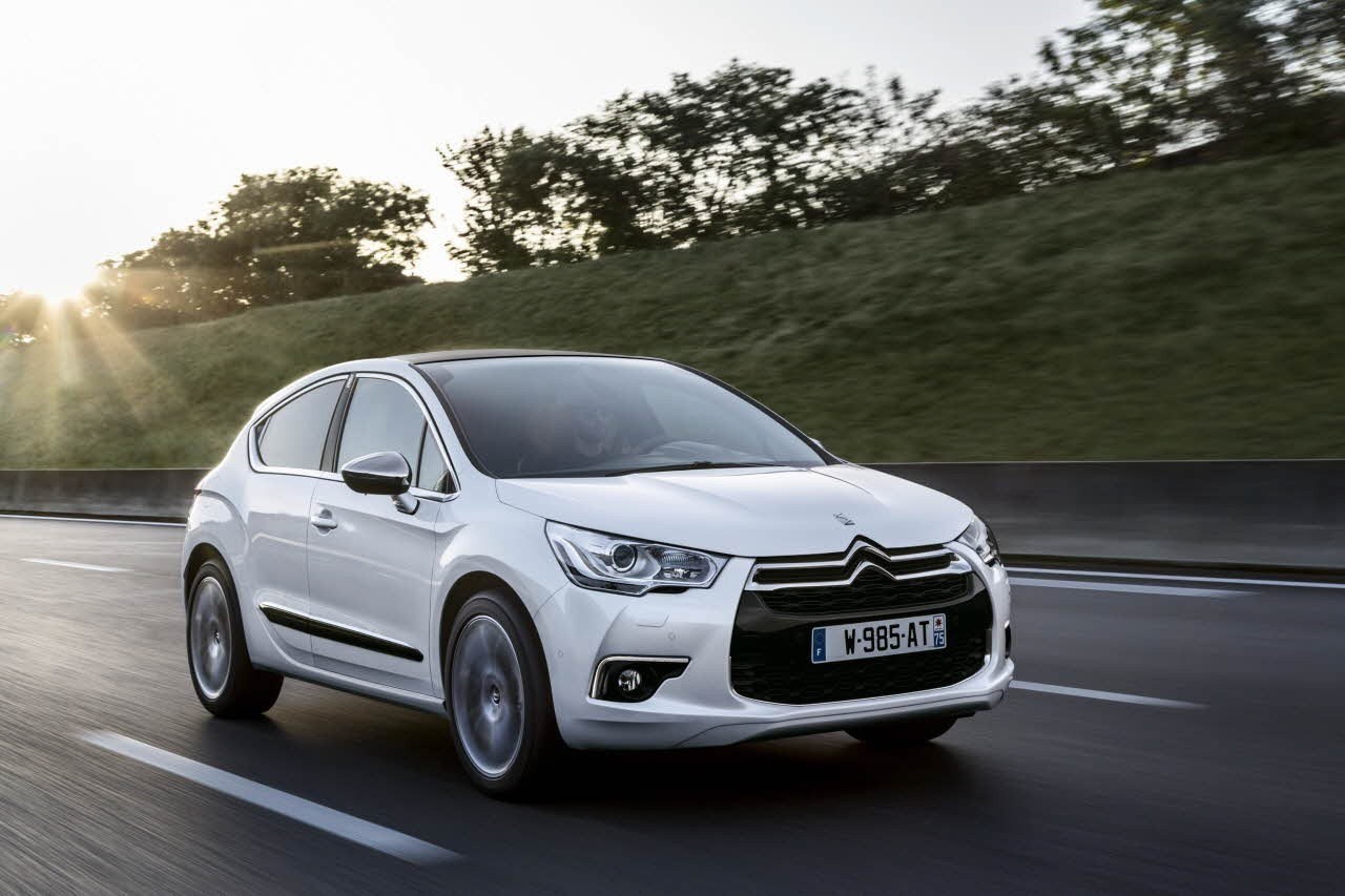 2015 citroen ds4 facelift also boasts with upgraded engines autoevolution. Black Bedroom Furniture Sets. Home Design Ideas