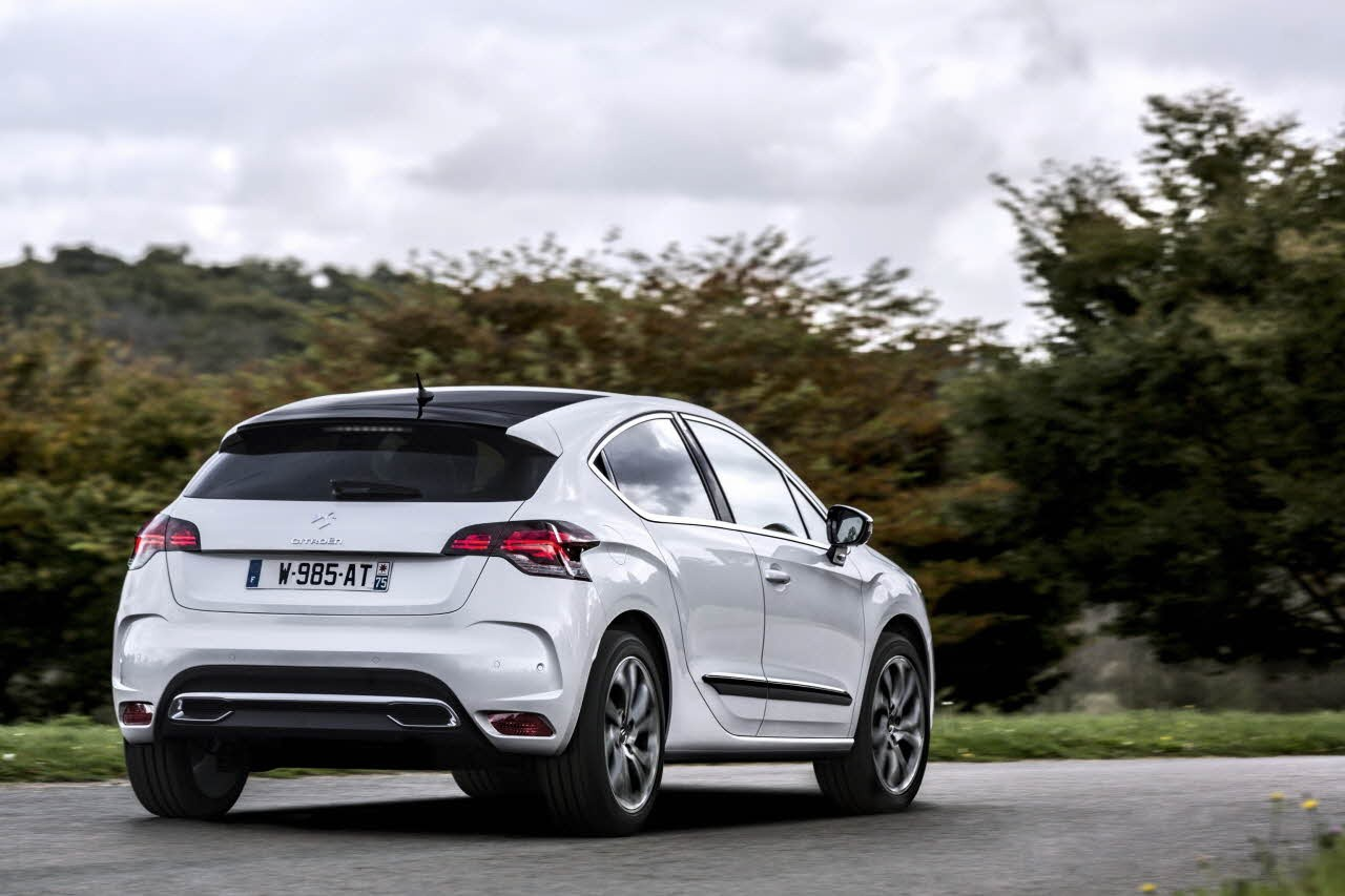 2015 citroen ds4 facelift also boasts with upgraded. Black Bedroom Furniture Sets. Home Design Ideas