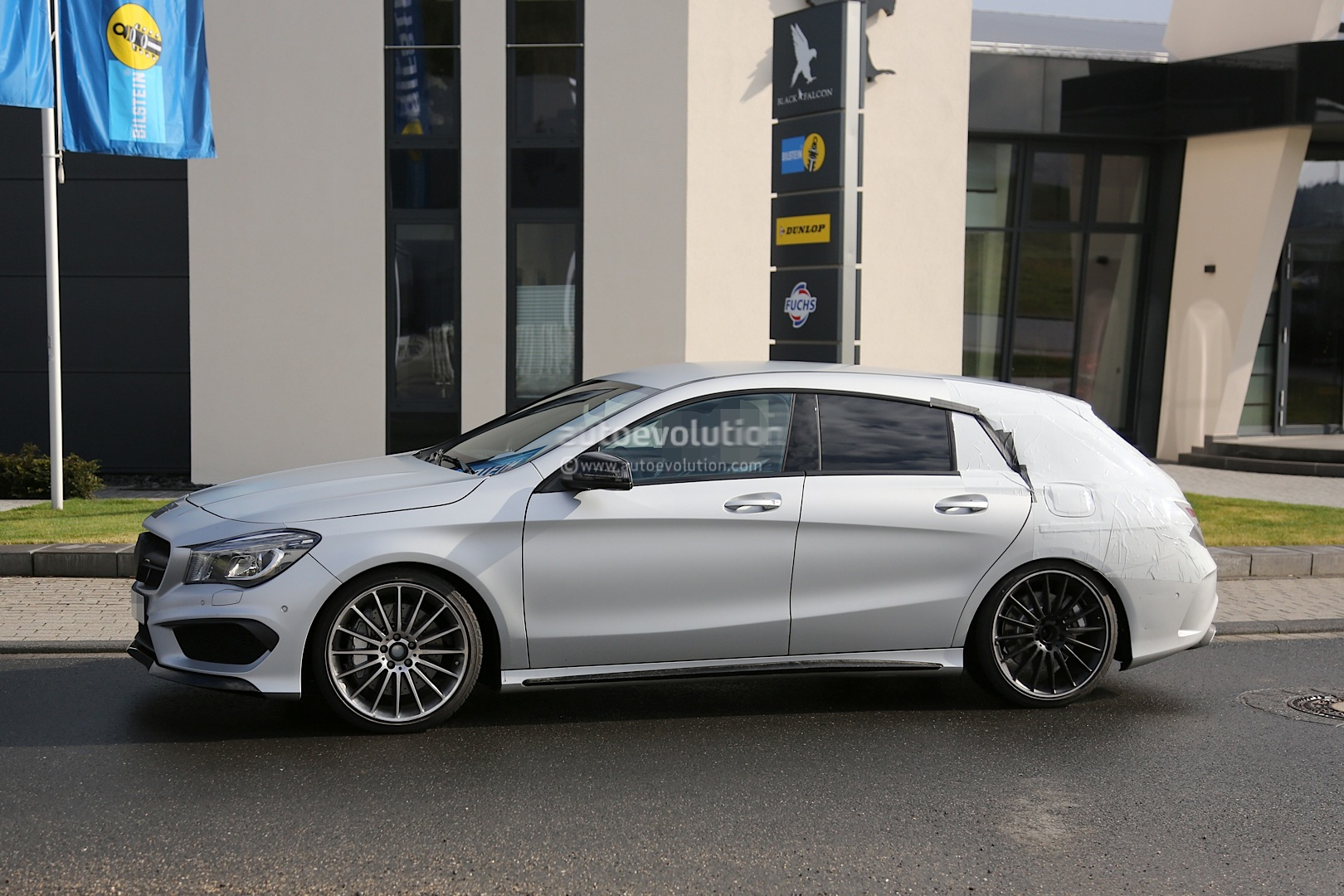 2015 cla 45 amg shooting brake spotted for the first time. Black Bedroom Furniture Sets. Home Design Ideas