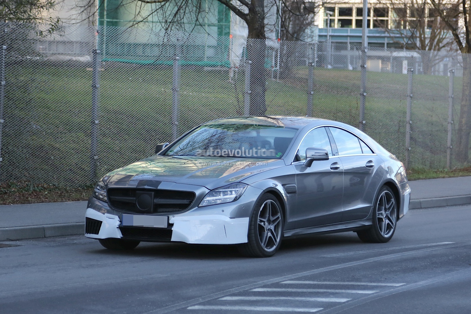 2015 cls 63 amg facelift caught on video in germany. Black Bedroom Furniture Sets. Home Design Ideas