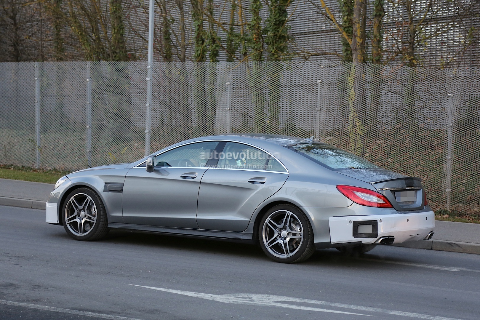 2015 cls 63 amg c218 facelift strips more camo autoevolution. Black Bedroom Furniture Sets. Home Design Ideas