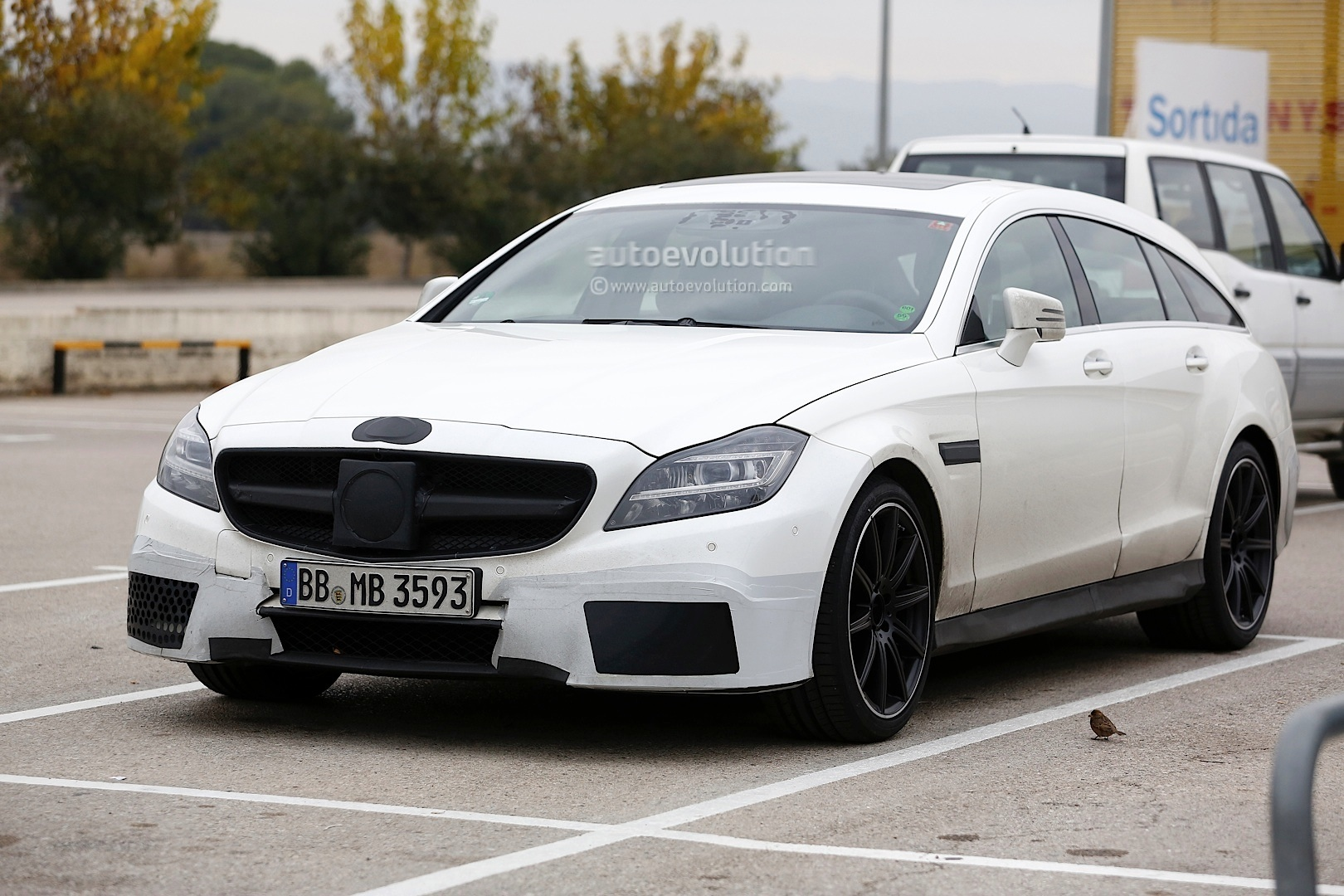 2015 cls 63 amg s model shooting brake facelift spied. Black Bedroom Furniture Sets. Home Design Ideas