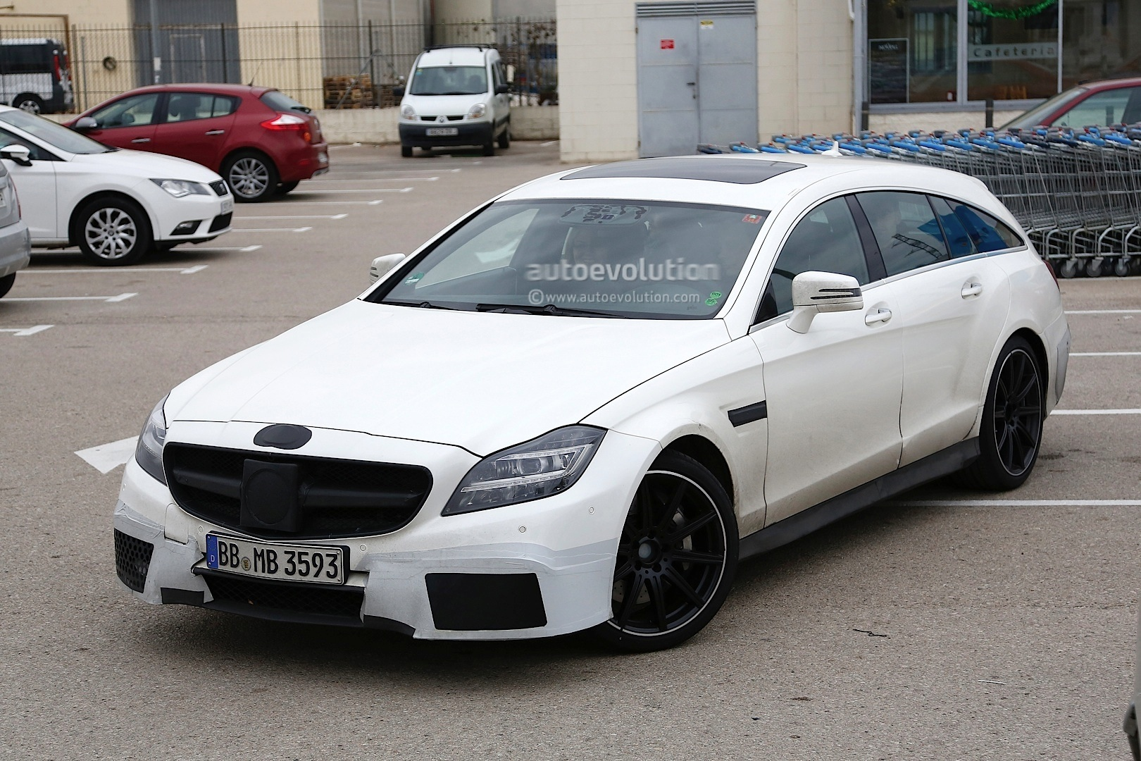 2015 cls 63 amg s model shooting brake spied shopping. Black Bedroom Furniture Sets. Home Design Ideas