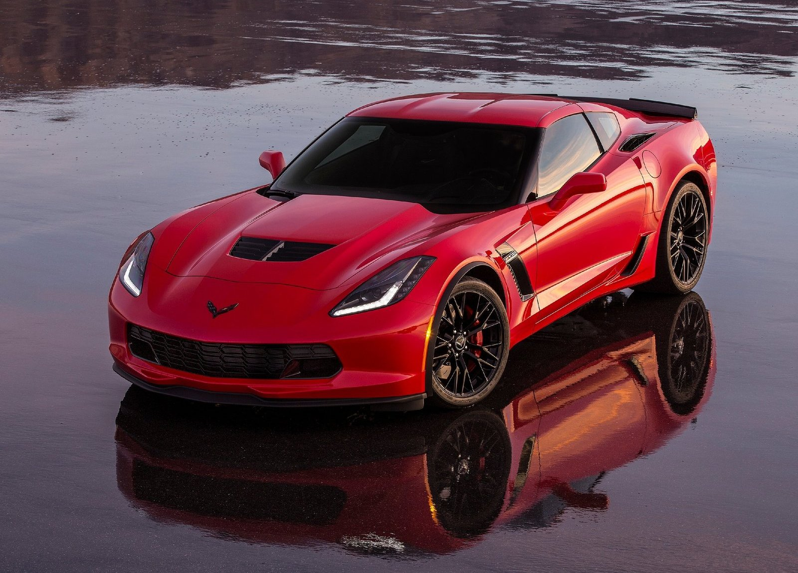 first production 2015 corvette z06 auctioned for charity. Black Bedroom Furniture Sets. Home Design Ideas