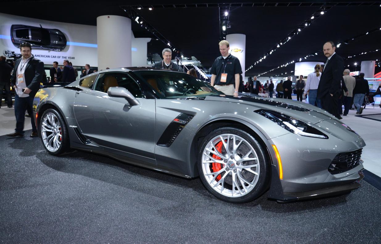 2015 Corvette Z06 Shown in Cyber Gray Metallic at Detroit - Live
