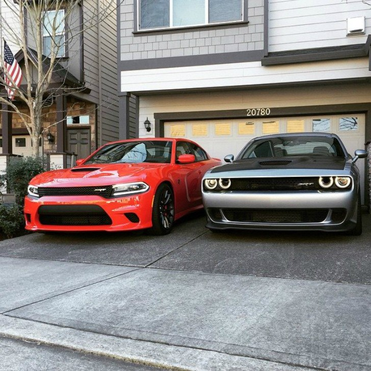2015 Dodge Challenger SRT Hellcat and 2015 Dodge Charger SRT Hellcat ...