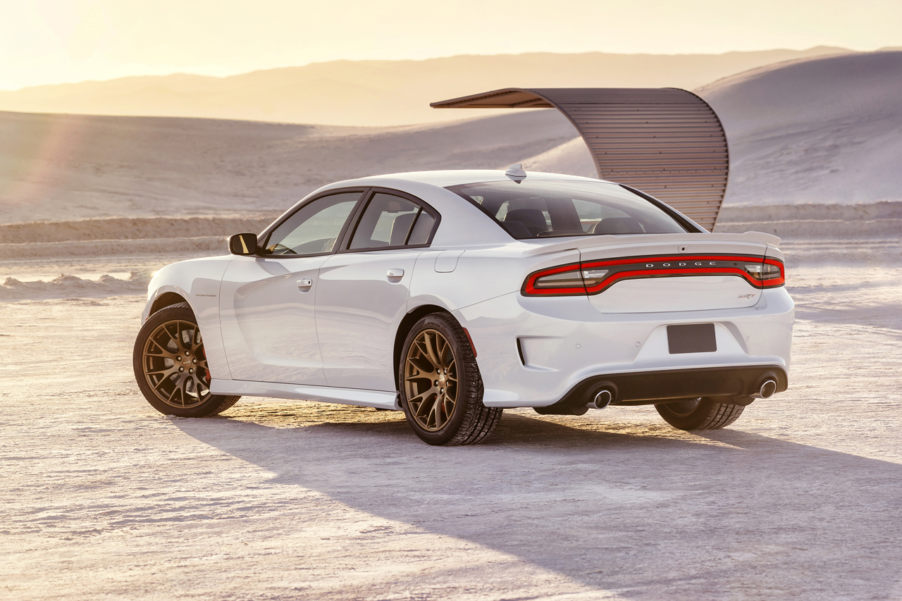 2015 Dodge Charger Srt Hellcat Is The Most Powerful Sedan In The World Autoevolution