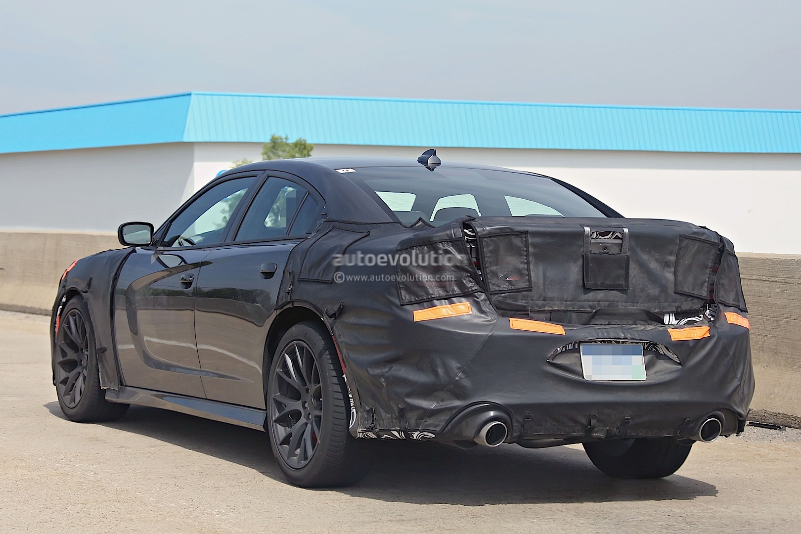 2015 dodge charger srt hellcat spied testing autoevolution. Black Bedroom Furniture Sets. Home Design Ideas