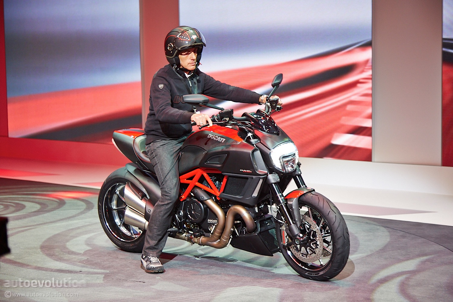 Ducati Diavel Photos