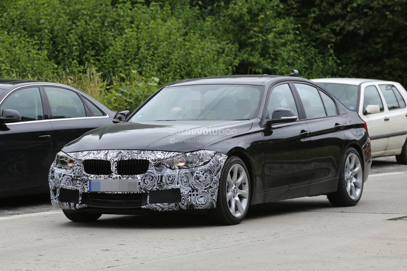 2015 facelift bmw 3 series sedan and touring spied testing. Black Bedroom Furniture Sets. Home Design Ideas