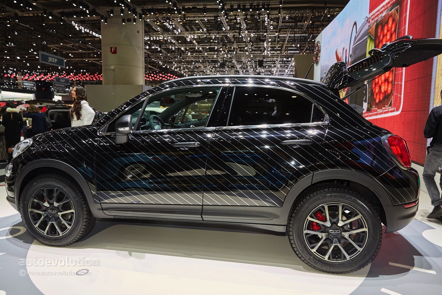 2015 fiat 500x black tie concept is a yuppie fashion. Black Bedroom Furniture Sets. Home Design Ideas