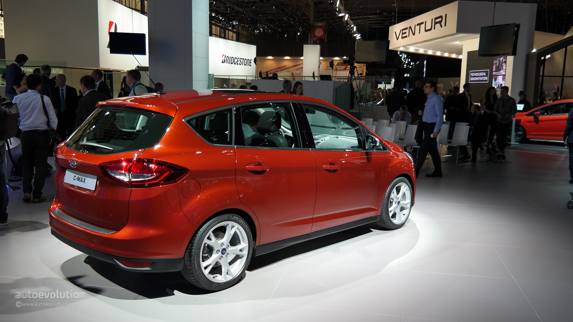 2015 ford c max facelift shows its new face at the paris motor show live photos autoevolution. Black Bedroom Furniture Sets. Home Design Ideas