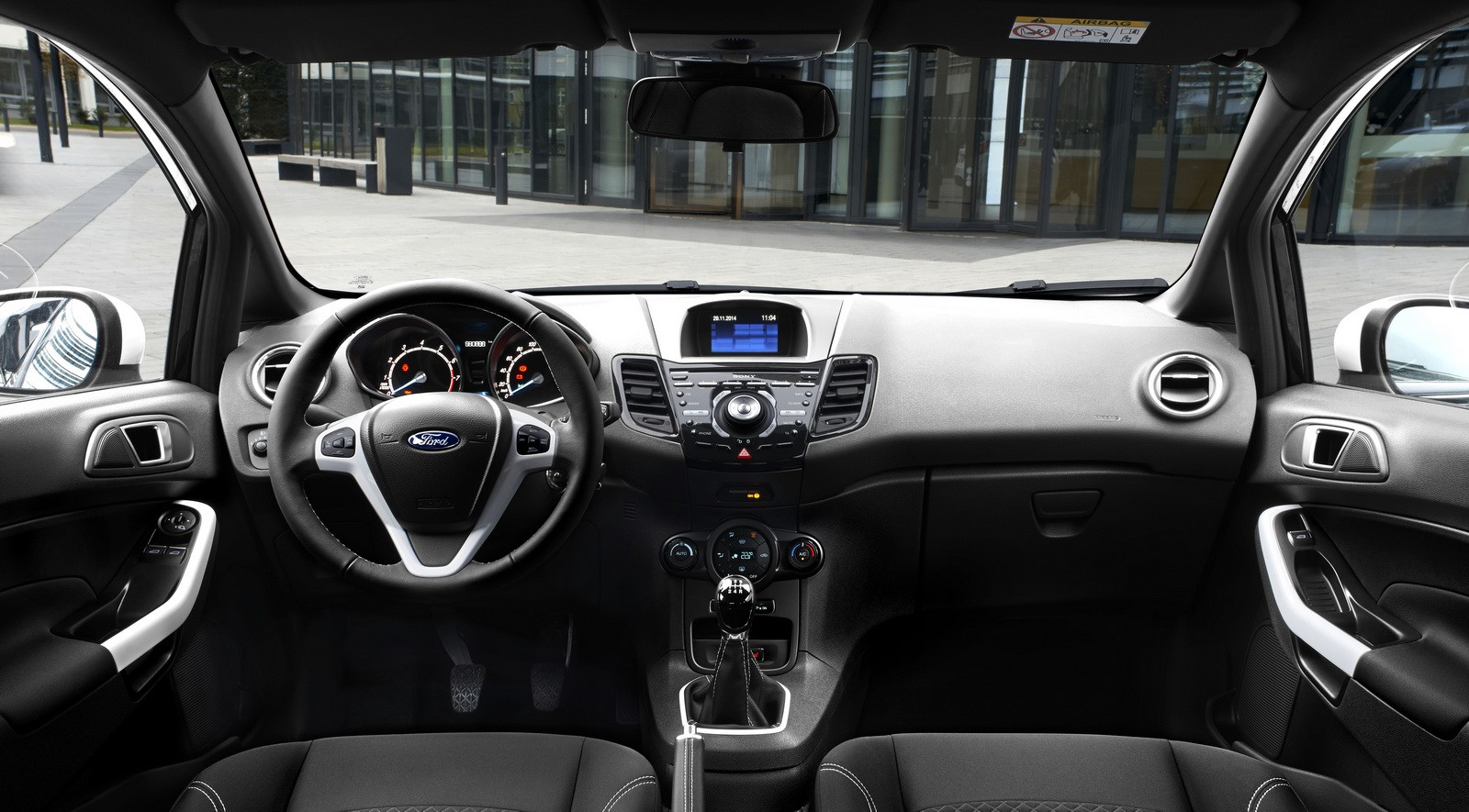 2015 ford fiesta black white editions detailed ka gets for Interieur ford focus