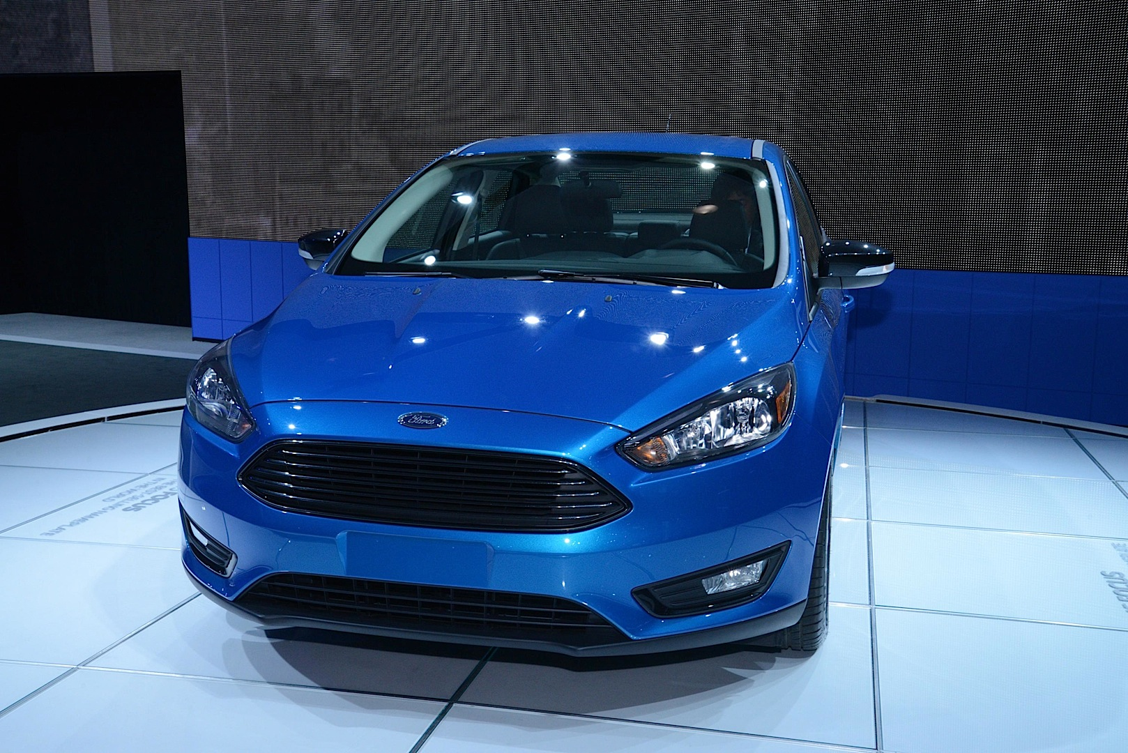 What Is Suspension In Car >> 2015 Ford Focus Sedan and Electric Debut at New York Auto Show [Live Photos] - autoevolution