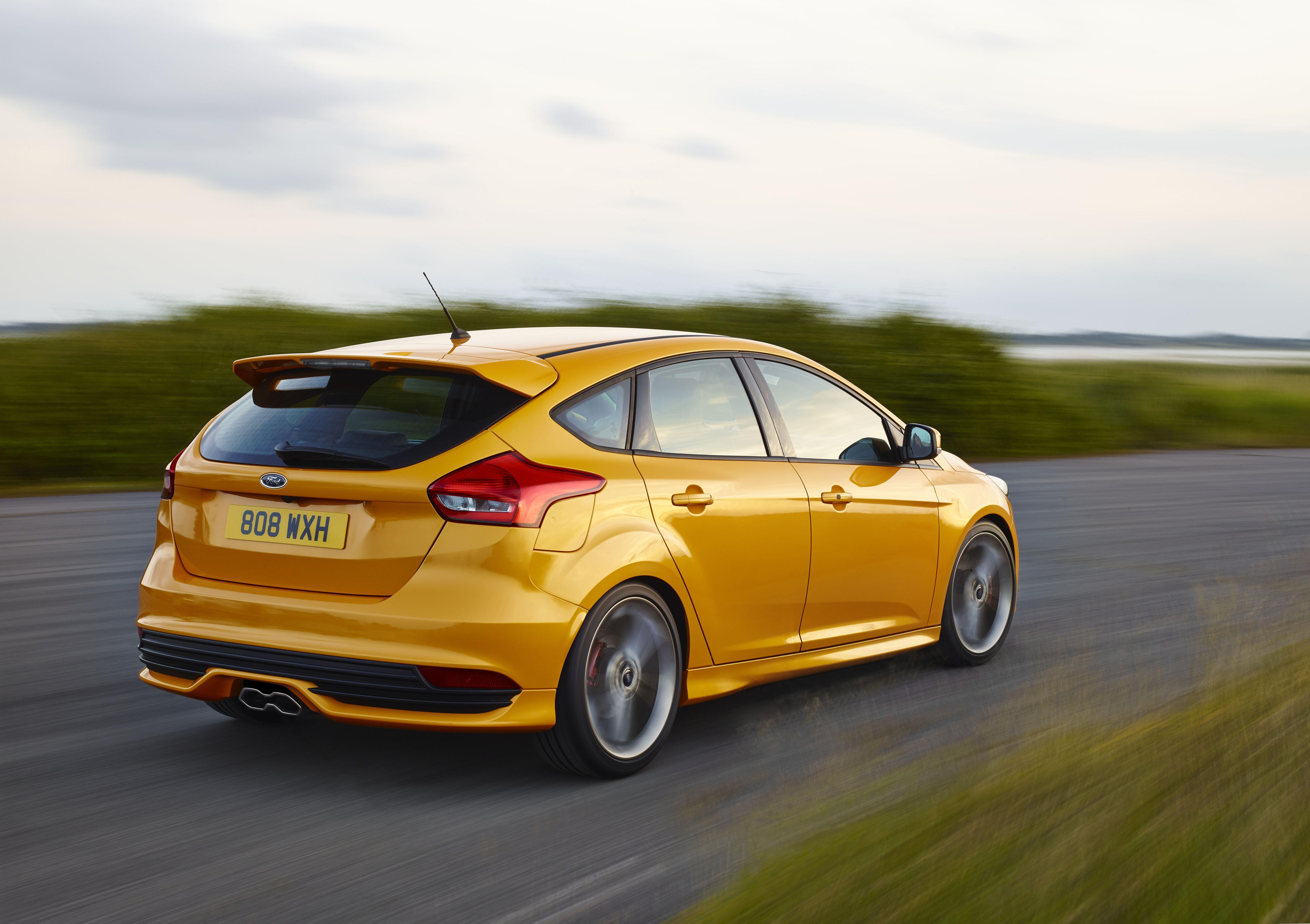 2015-ford-​focus-st-h​eres-how-m​uch-it-cos​ts-in-euro​pe-photo-g​allery_2