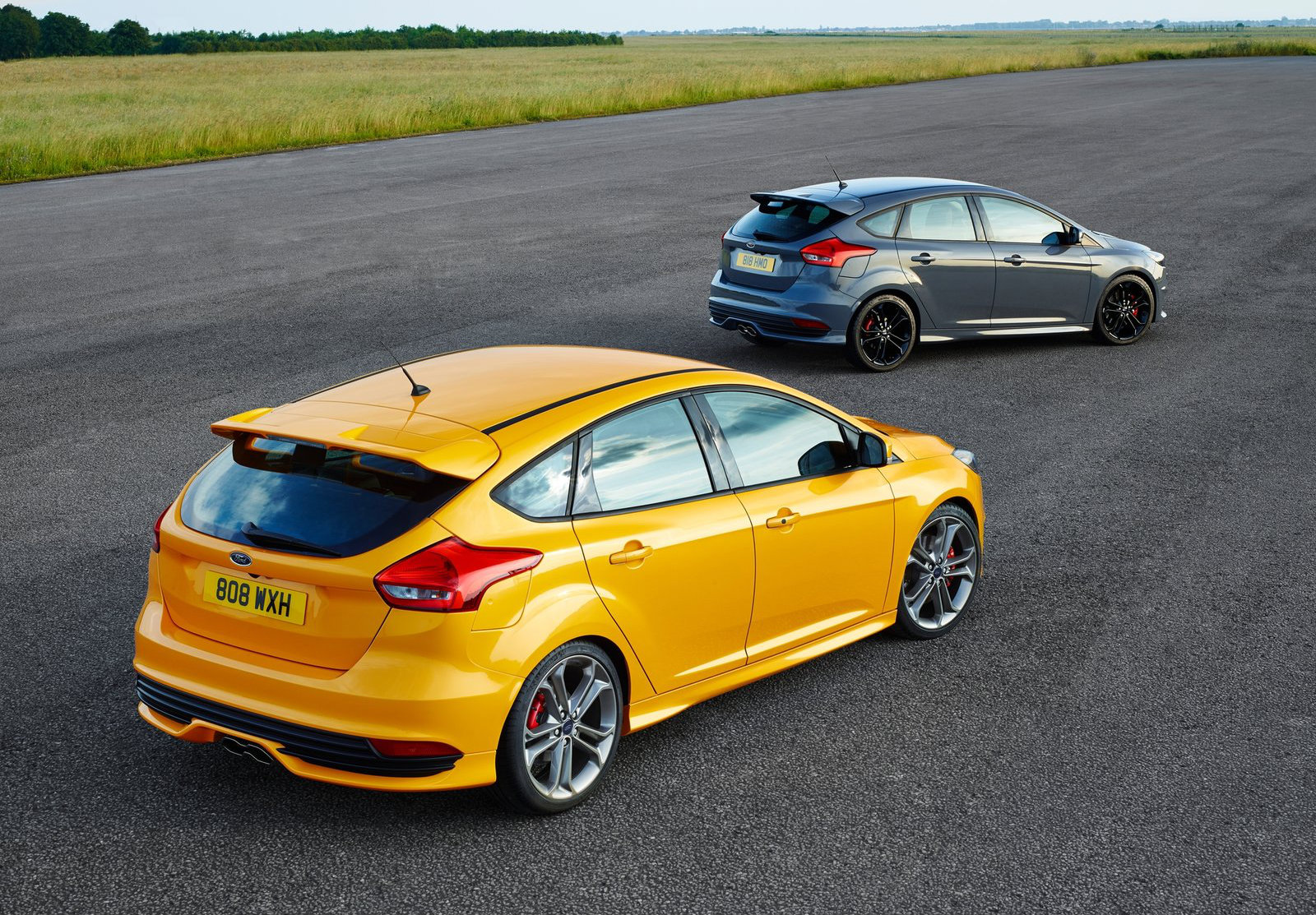 2015 ford focus st here s how much it costs in europe. Black Bedroom Furniture Sets. Home Design Ideas