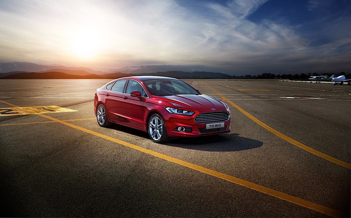 2015 ford mondeo is laden with goodies autoevolution. Black Bedroom Furniture Sets. Home Design Ideas