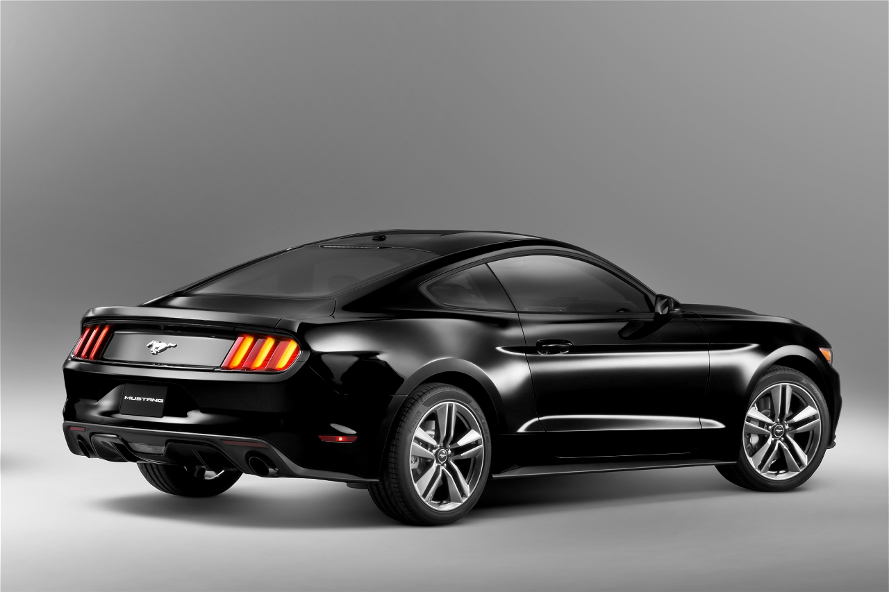 2015 ford mustang rendered in black autoevolution. Black Bedroom Furniture Sets. Home Design Ideas