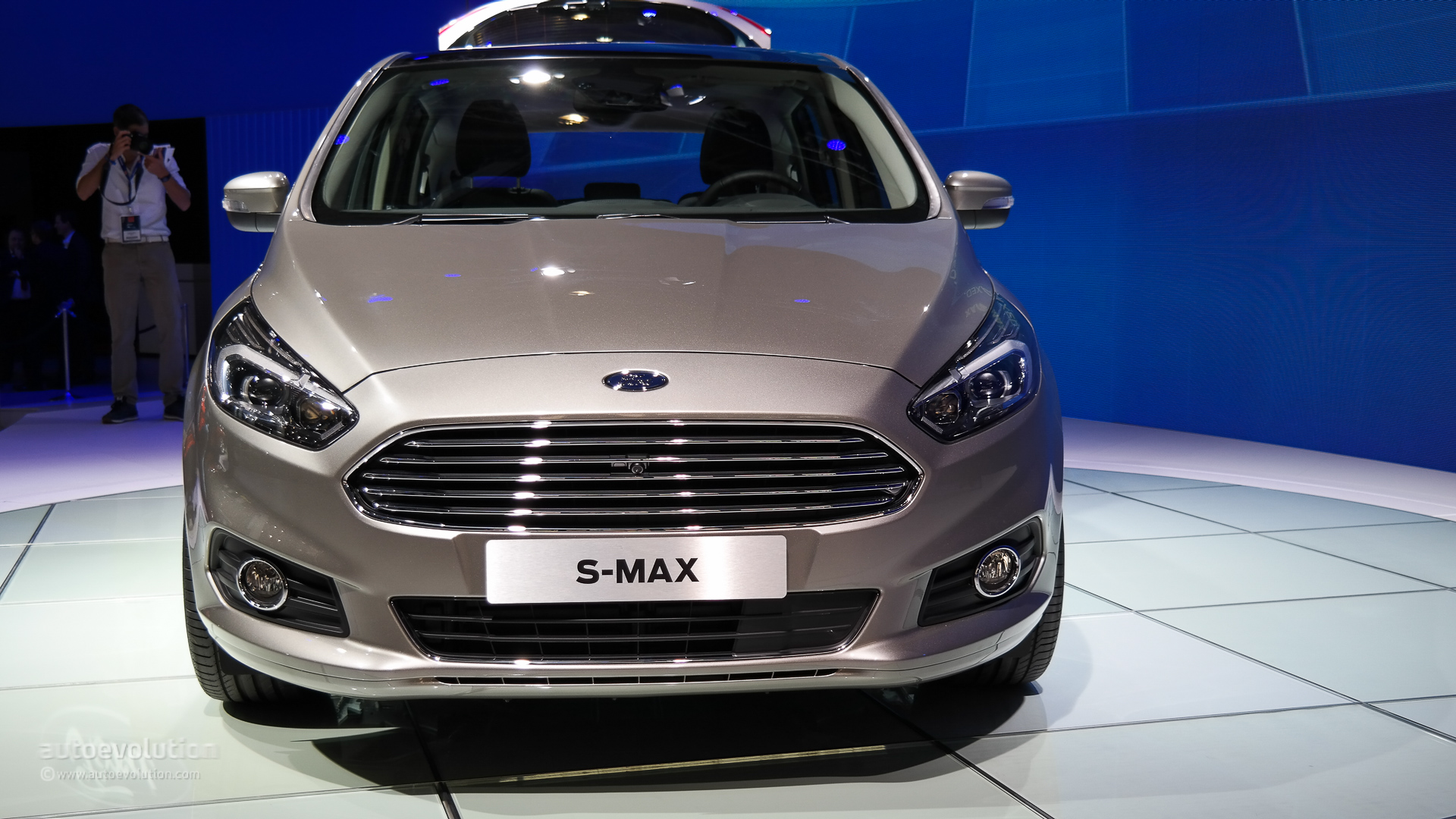 2015 ford s max front look