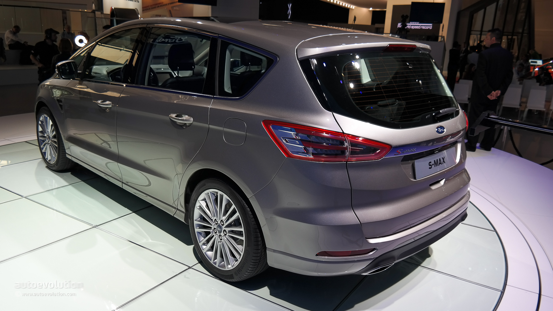 2015 Ford S Max Is A Posh Family Hauler Live Photos