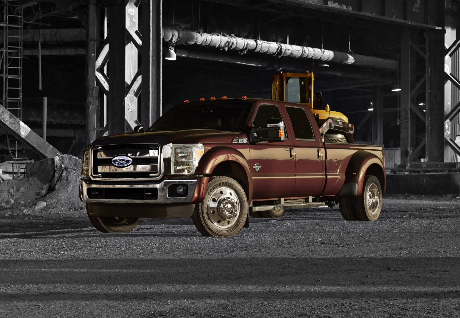 2015 Ford Super Duty F-450 Boasts 31,200 Pounds Towing ...