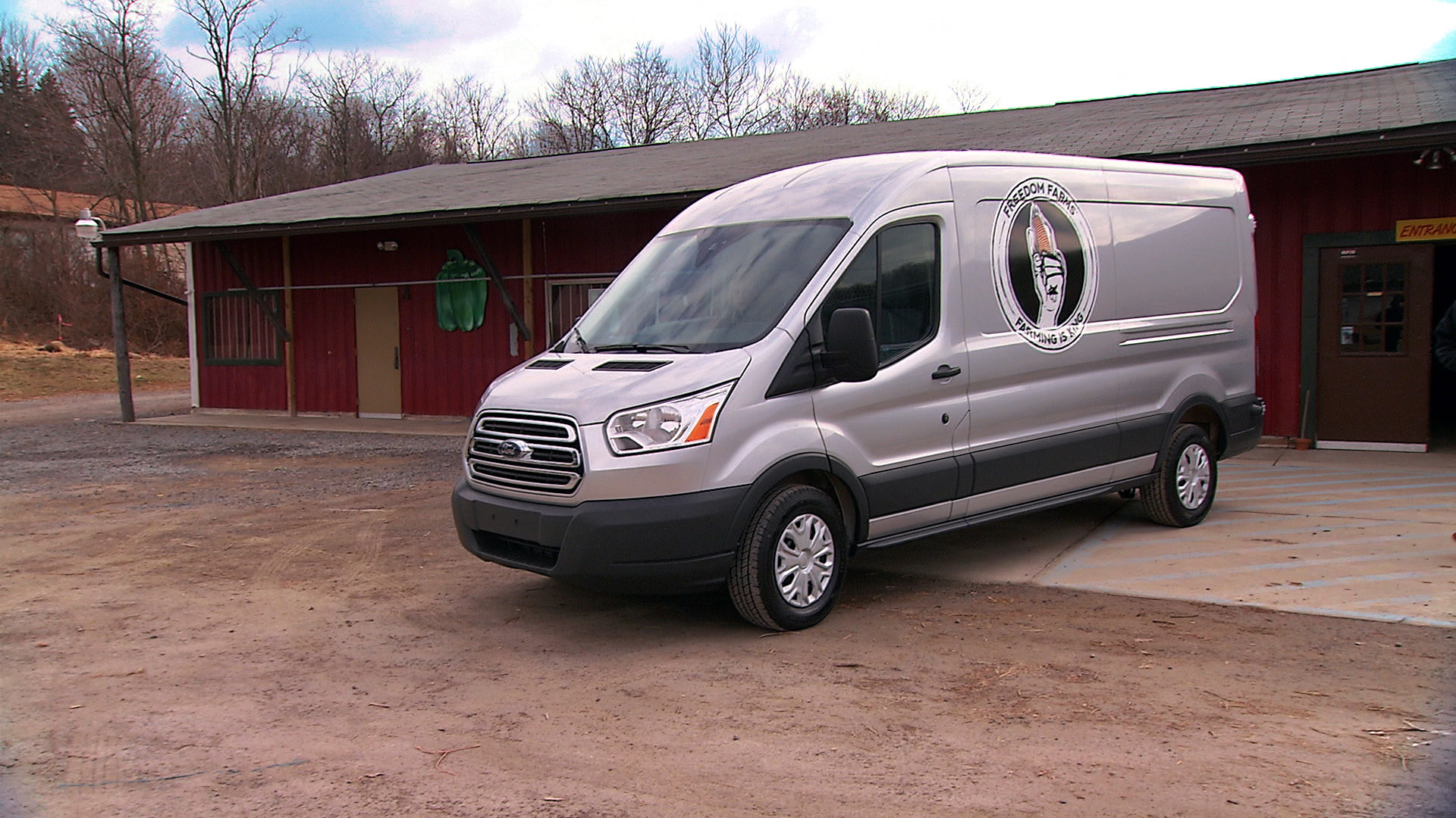 2015 ford transit gets down on the farm autoevolution. Black Bedroom Furniture Sets. Home Design Ideas