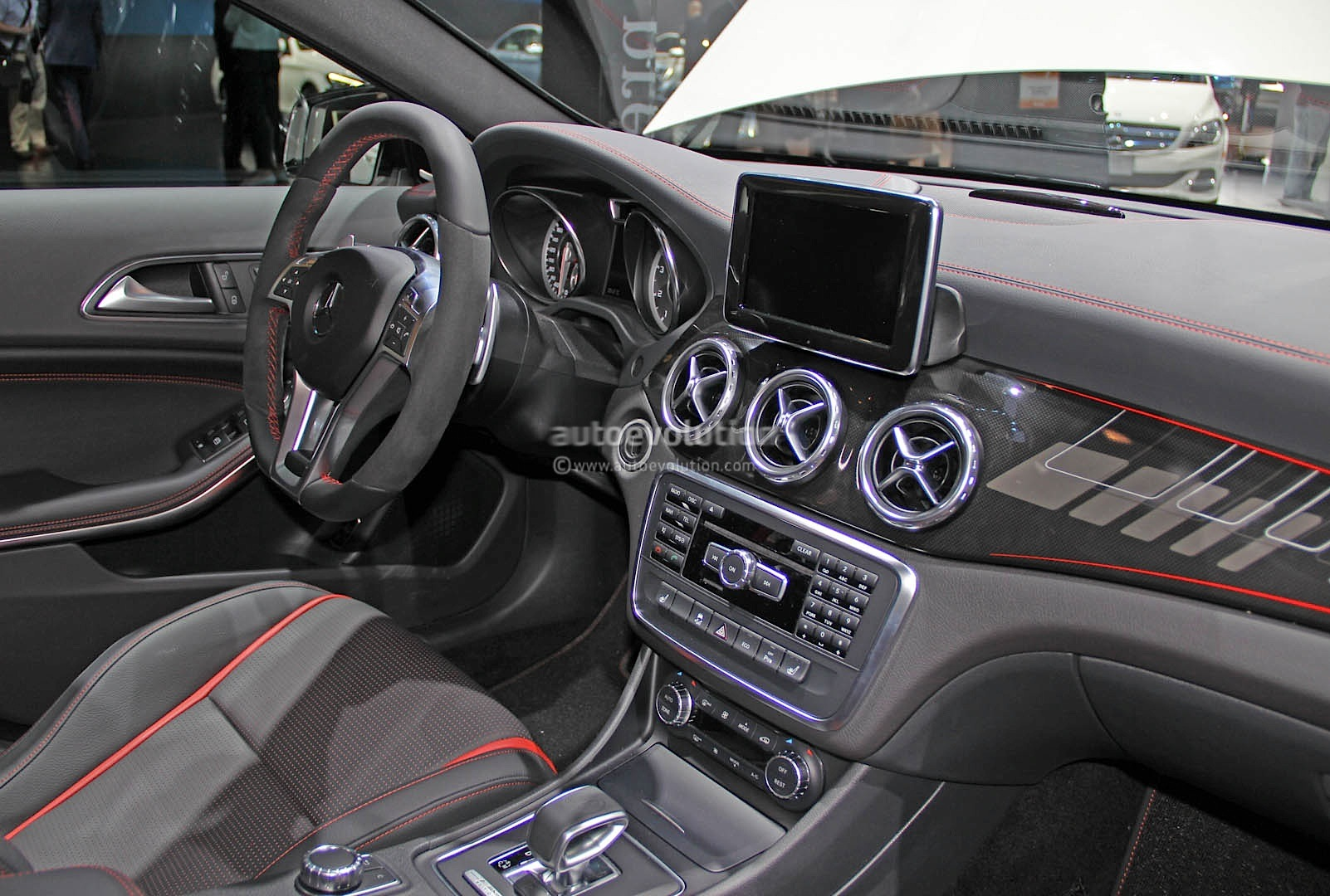2015 Gla 45 Amg Live Photos From Naias Autoevolution