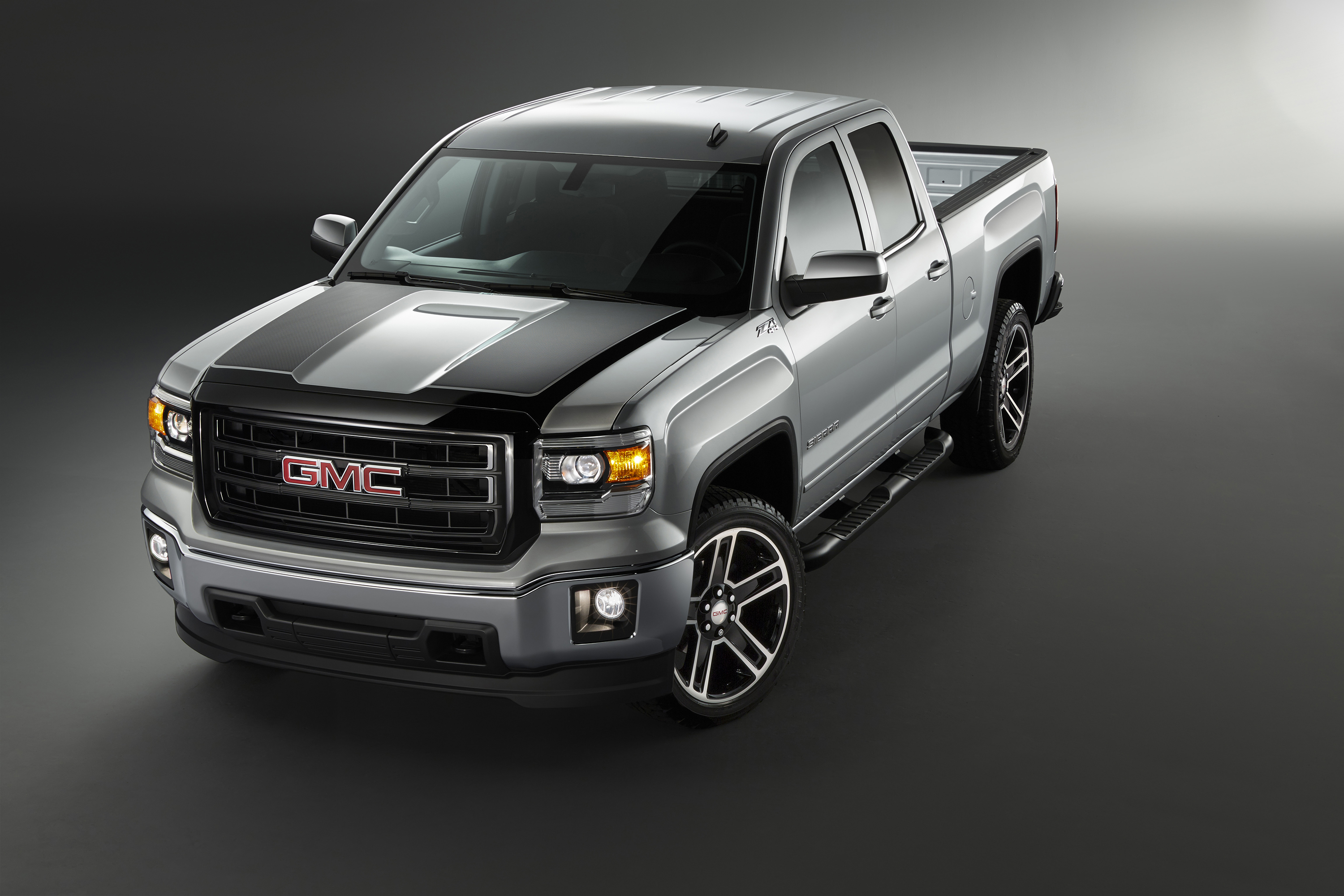 2015 GMC Sierra Carbon Edition is Loaded with Attitude - autoevolution