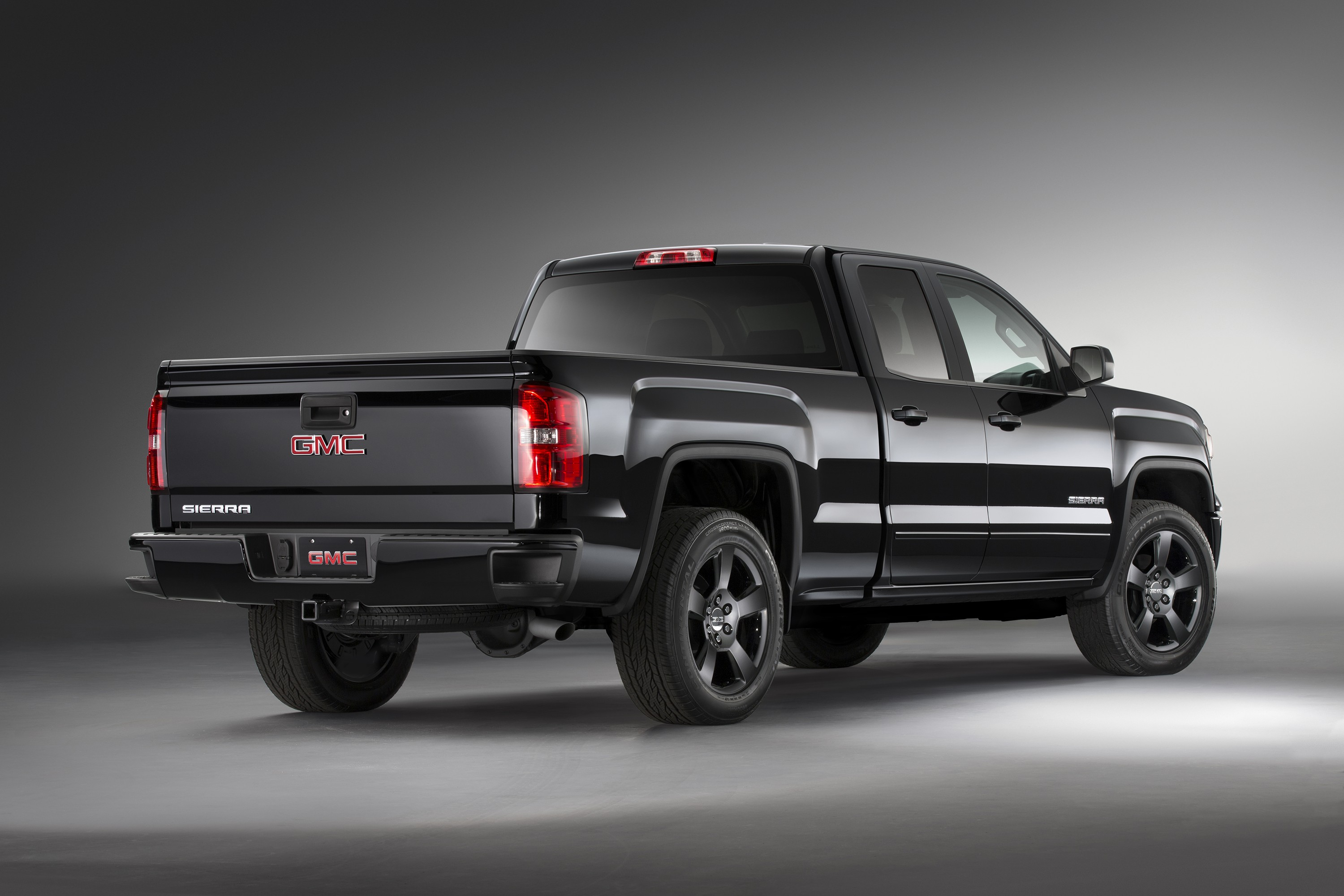 carbonedition pages gmc truck sporty looks sep news media add sierra detail carbon editions content us en substance