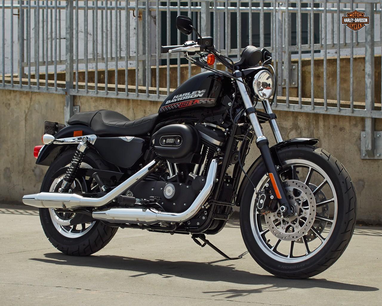 2015 Harley Davidson 883 Roadster