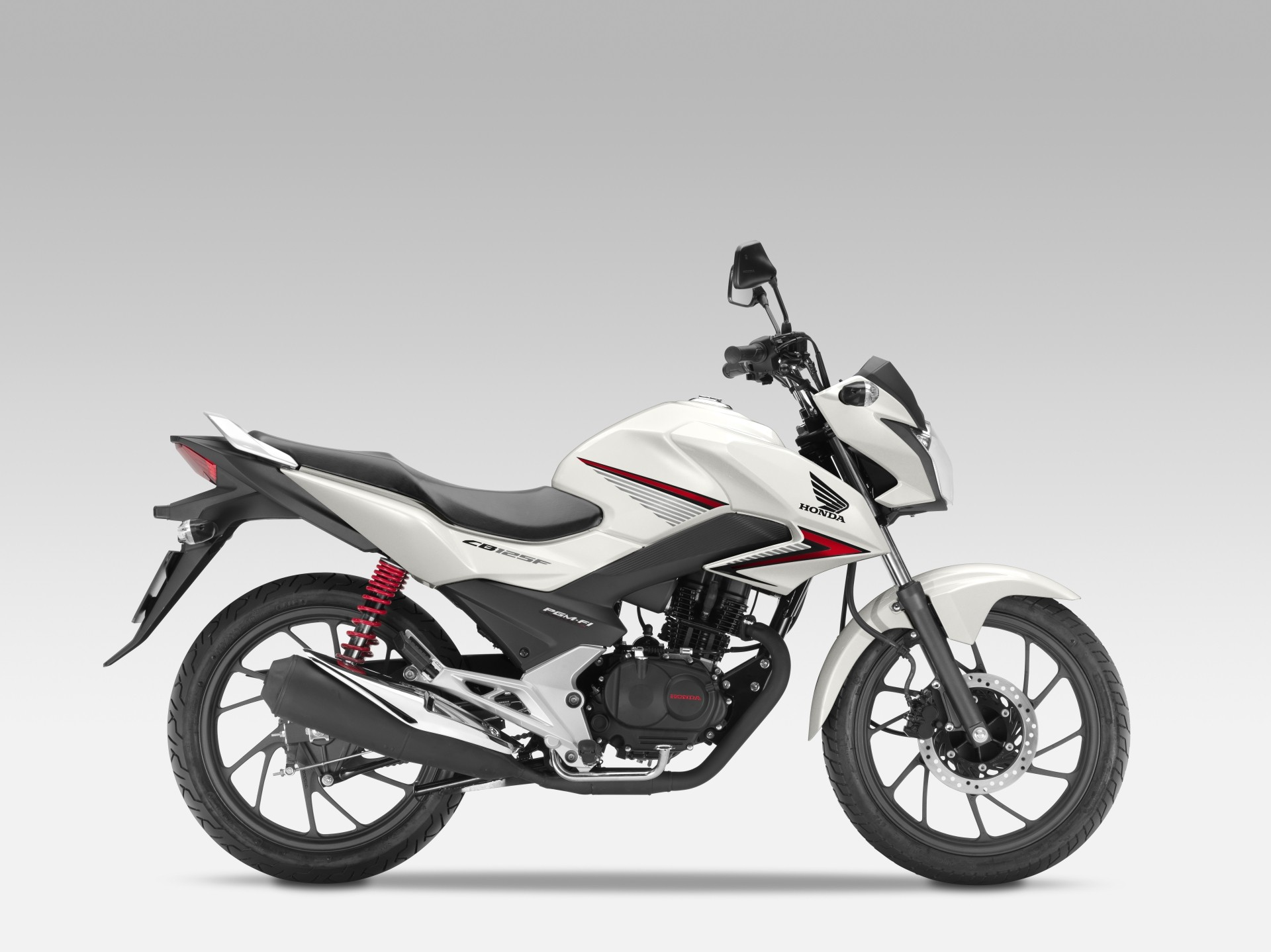 Indecisão entre Naked 125cc 2015-honda-cb125f-to-arrive-in-europe-very-soon-photo-gallery_9