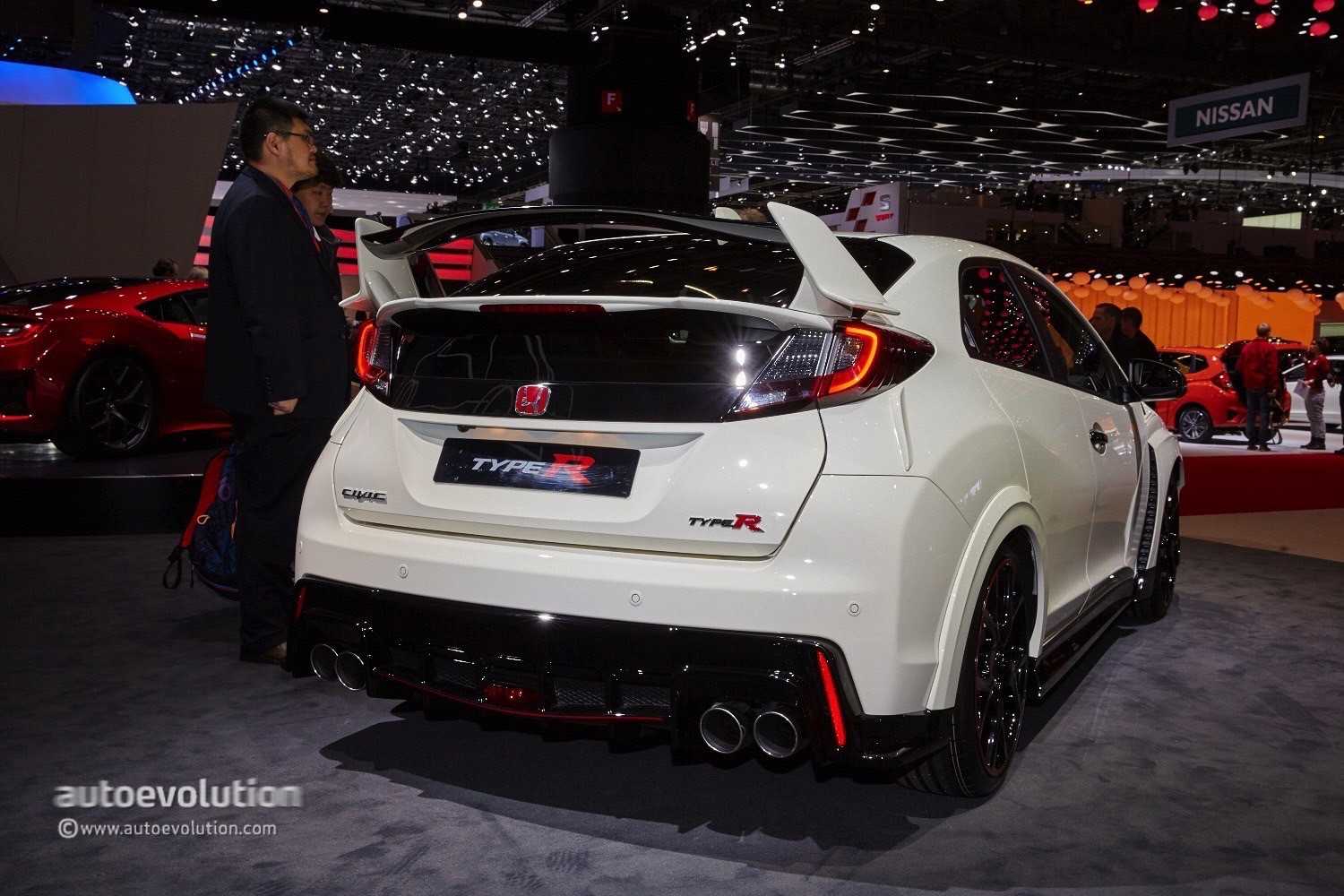 2015 honda civic type r bows in geneva laps the. Black Bedroom Furniture Sets. Home Design Ideas