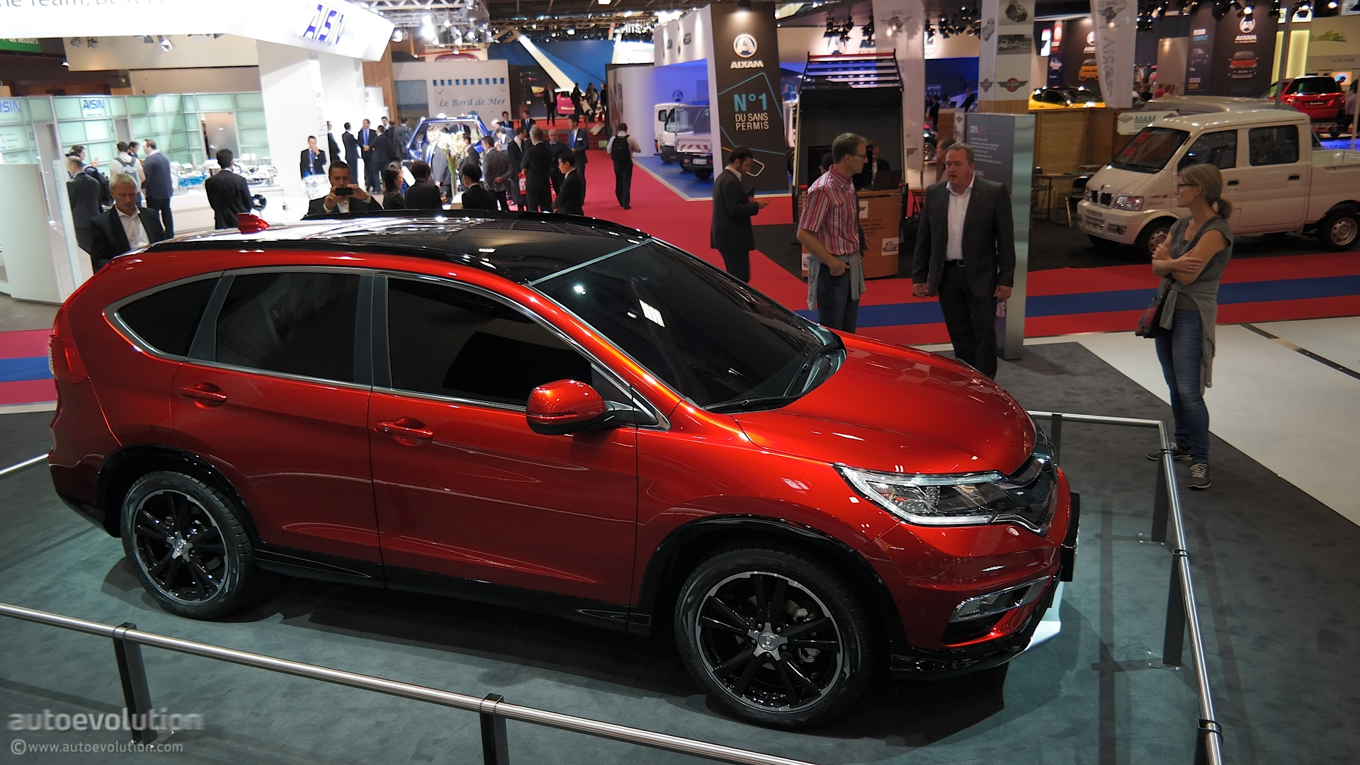 2015 Honda CR-V Brings Its 9-Speed Auto Gearbox to Paris [Live Photos] - autoevolution