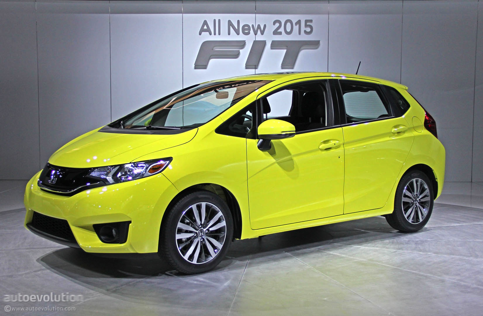 2015 honda fit debuts in detroit gets 41 mpg live photos autoevolution. Black Bedroom Furniture Sets. Home Design Ideas