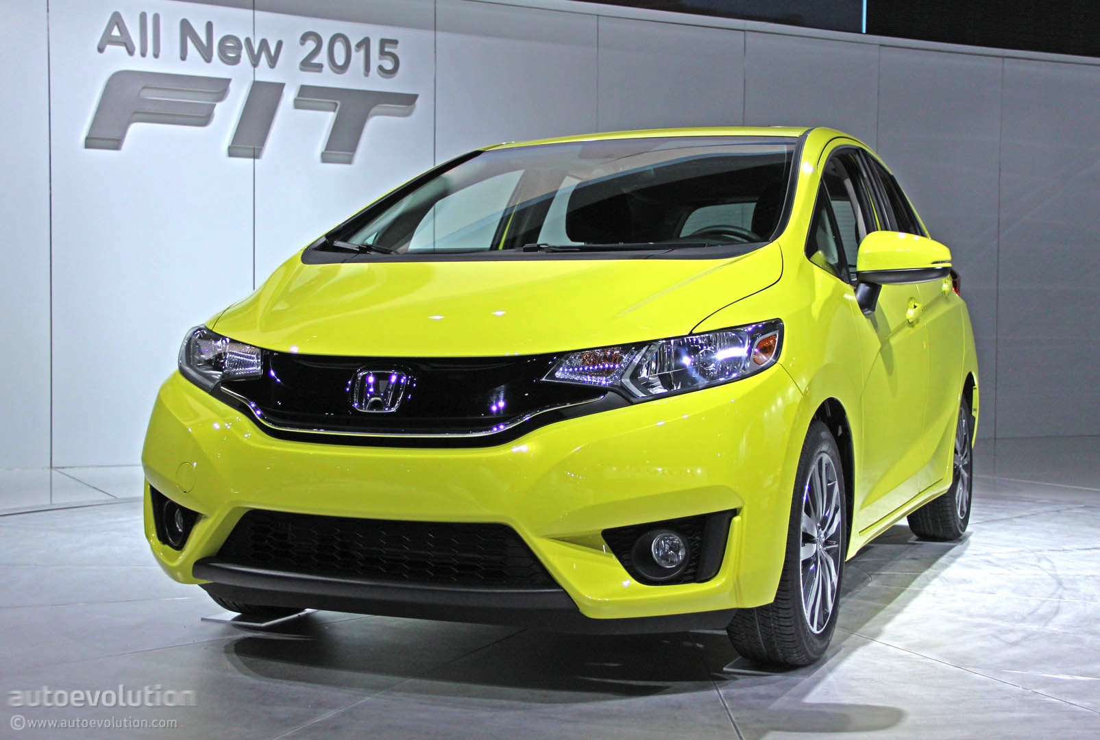 2015 Honda Fit Is a Cool New Urban Car for $15,525