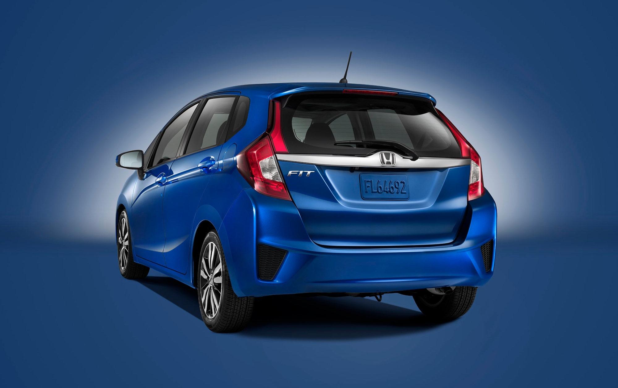 Honda Fit Mpg >> 2015 Honda Fit Is a Cool New Urban Car for $15,525 ...