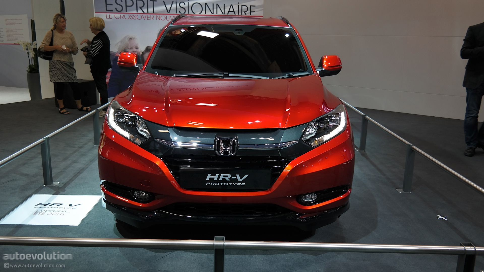 2015 Honda HR-V Is Compact and Stylish at Paris 2014 Debut [Live.