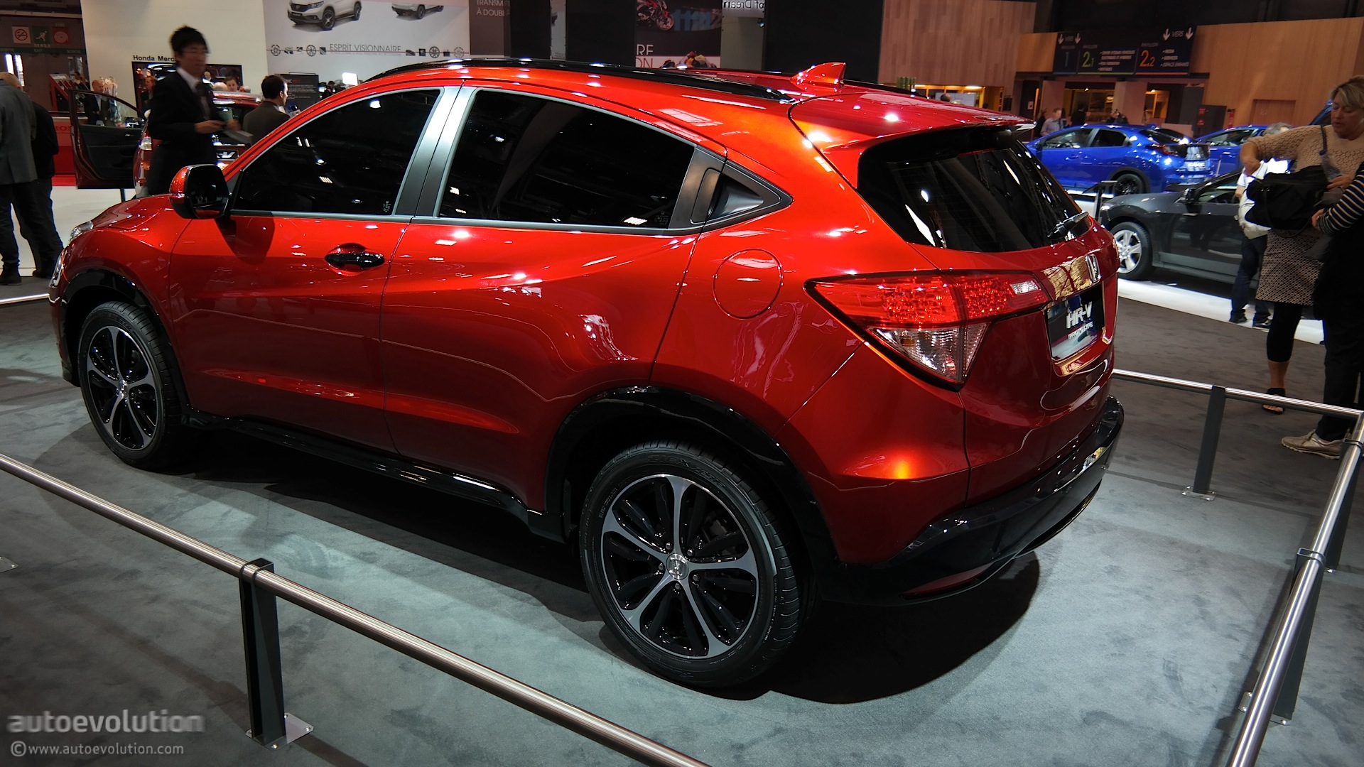 Honda Accord Sport Special Edition >> 2015 Honda HR-V Is Compact and Stylish at Paris 2014 Debut [Live Photos] - autoevolution